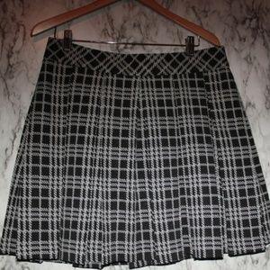 Banana Republic Grid Pattern Pleated Skirt Sz 12